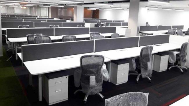 奥美丽印度商贸中心电动升降办公桌案例