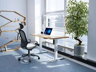 相对于传统办公桌,电动升降桌子好吗?
